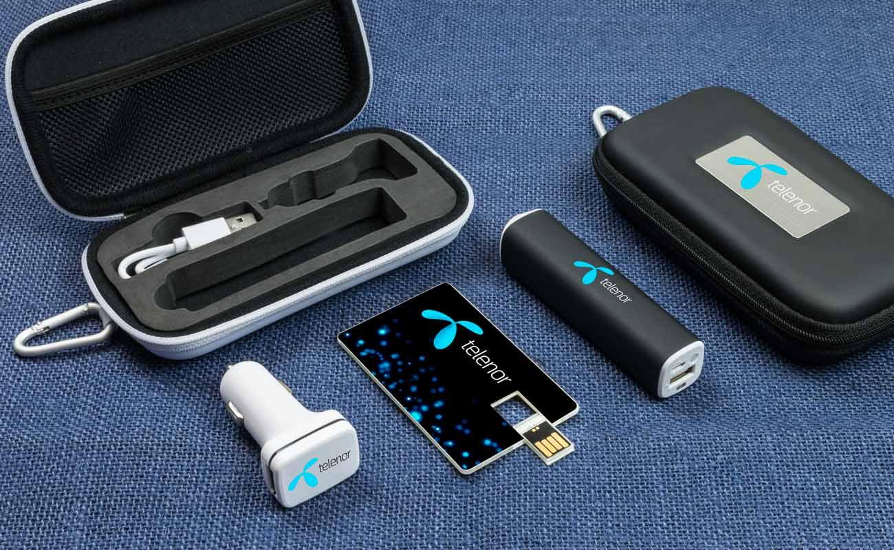 Impact M - Clé USB Personnalisée, Batterie Externe Personnalisable et Custom Car Charger