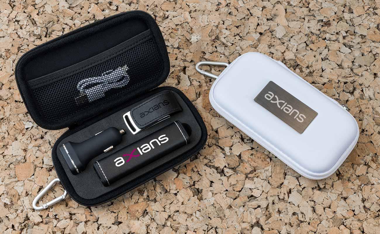 Leather M - Clé USB Personnalisée, Batterie Externe Personnalisable et Custom Car Charger