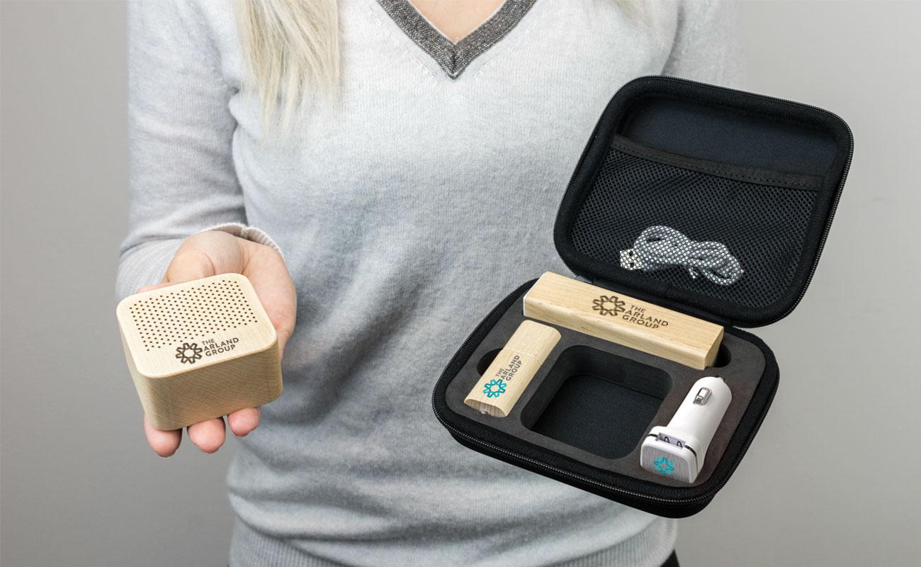 Maple L - Clé USB Personnalisée, Batterie Externe Personnalisable, Custom Car Charger et Enceinte Professionnel