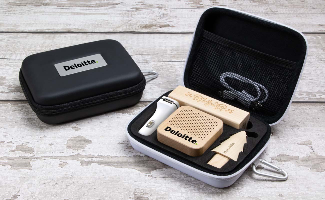 Noel L - Clé USB Personnalisée, Batterie Externe Personnalisable, Custom Car Charger et Enceinte Professionnel