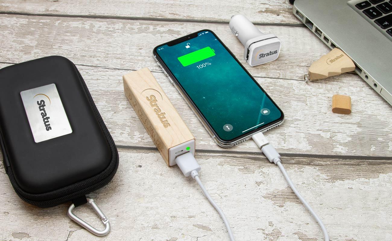 Noel M - Clé USB Personnalisée, Batterie Externe Personnalisable et Custom Car Charger